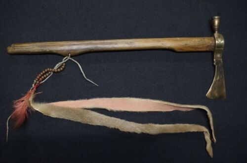 Pipe Tomahawk with brass blade - Lakota Sioux tribe - early 20th C.