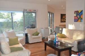 2Large Rooms in BIG House-WoodlandsEstateThornton($215&$195+$30 Exp)