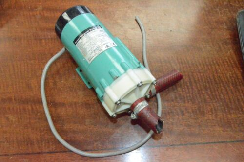 Iwaki Magnet Pump MD-20R-220ENL01 Single Phase Induction Motor Capacitor Run