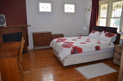 Large sunny furnished professionals home in Oakleigh***** Oakleigh Monash Area Preview