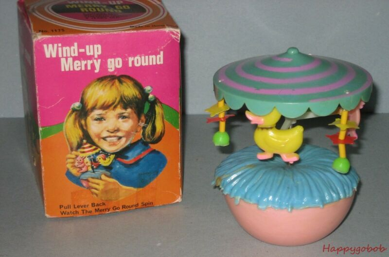 "Wind-Up Lever Merry Go Round ""Ducks"" Hard Plastic Hong Kong Made Original Box"