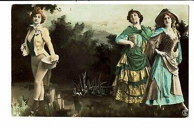 CPA-Carte postale-Belgique -3 jeunes femmes bien habillées -1907-VM4673