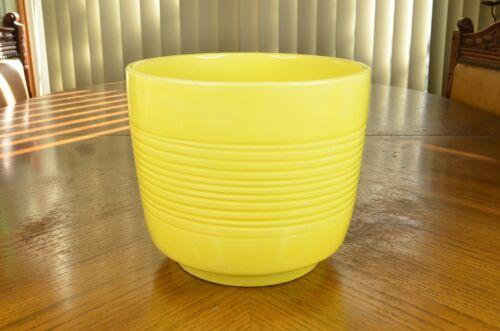 Vintage 1950s Mid Century Modern Ceramic Planter Pot in 1950s Mellow Yellow