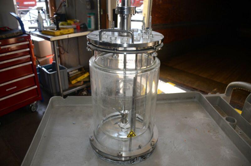 New Brunswick Scientific 10L Glass Bioreactor Fermentation Vessel