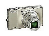 Digital camera - NIKON COOLPIX S8000 - Silver - 10 x zoom + flash - As new and boxed.