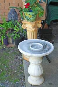 Vintage Bird Bath in 2 pieces. Pickup only Kallangur Pine Rivers Area Preview