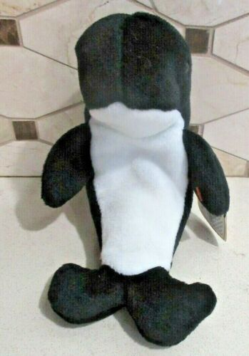 Ty Beanie Baby Waves the Whale style 4084 DOB 12-8-96 MWMT