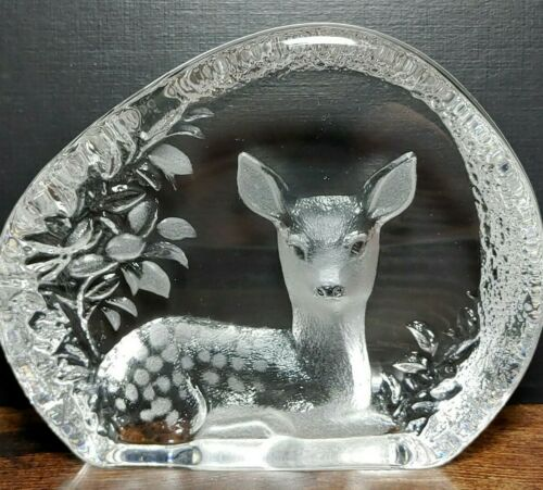 "Mats Jonasson Swedish Lead Crystal Fawn Deer Sculpture  Paperweight Signed 5""x4"""