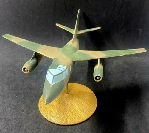 Douglas RB-66 Bomber Factory Aircraft Desk/Promo Model  **FREE SHIPPING**