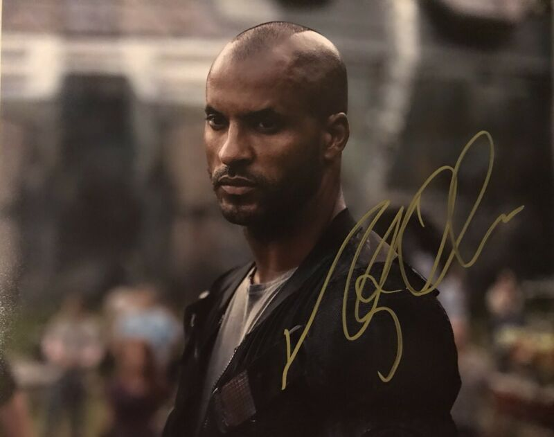 RICKY WHITTLE HAND SIGNED 8x10 PHOTO ACTOR AUTOGRAPHED THE 100 AMERICAN GODS HOT