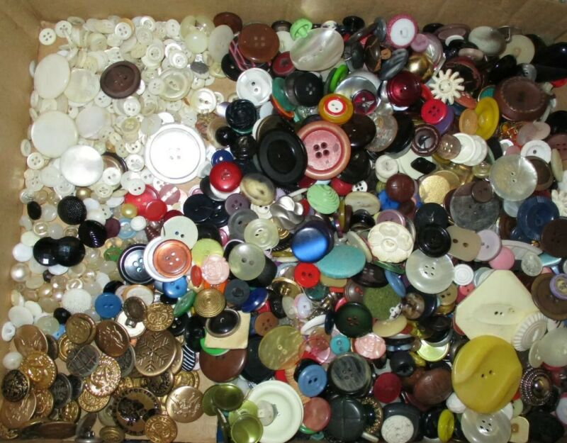 HUGE Lot Antique Vintage Buttons - Celluloid - Pearl - China - Glass - Metal ++