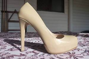 Size 6 Ladies leather  Shoes Trinity Beach Cairns City Preview
