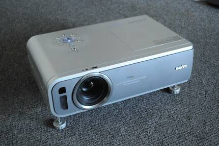 SANYO DATA PROJECTOR in good working condition