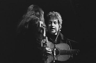 Bob Dylan with Joan Baez 4x6 Vintage 60's Photograph at folk concert #8B