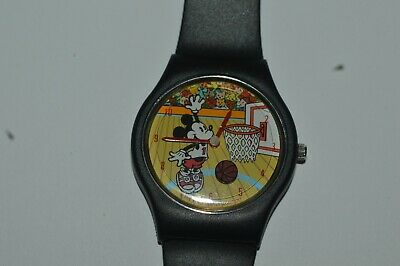 Valdawn Mickey Mouse The Disney Store Watch Quartz 35mm Plastic Vintage Works