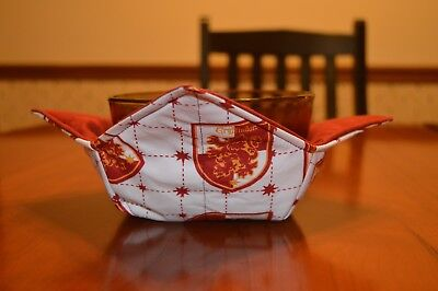 Pot Holder - Quilted microwave bowl / pot holder / hugger  (cozy)  Harry Potter Gryffindor