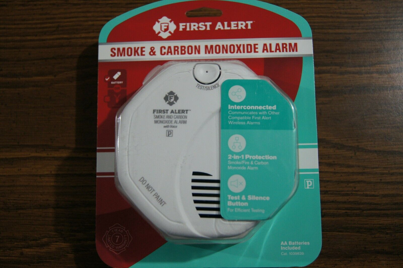 First Alert FAT1039839 Wireless Interconnected Smoke & Carbo