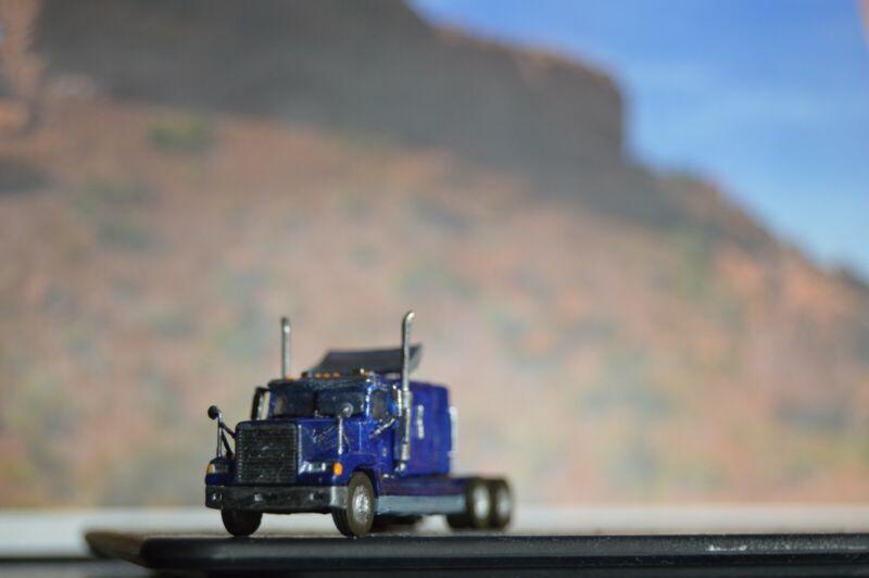 N scale Freightliner FLD 120 sleeper cab truck 3D printed. Trucks, vehicle, cars