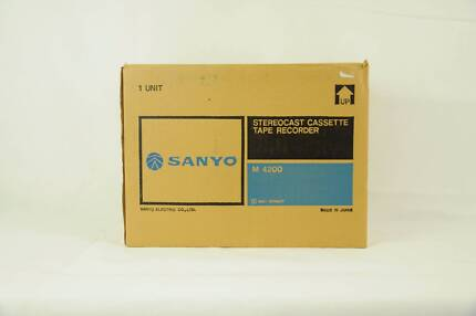 Vintage Sanyo Stereocast Tape Recorder M4200 Brand New Complete