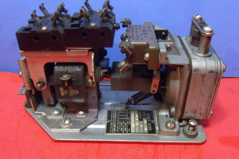 Square D Timing Relay Class 9050 Type RO-13D Series A 4427-S9              [428]