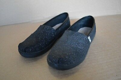 Toms Girls Shoes (New/Defects Toms Classic Black Glimmer Youth Girl's Shoes Slip On)