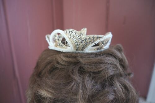VTG. BEADED BRIDAL HEAD PIECE WITH FAUX CRYSTAL STONES