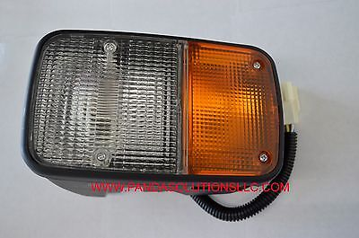 Toyota Forklift Truck Head Lamp 56540-13131-7156540-1313171 High Quality