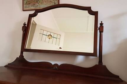Beautiful French-polished dressing table, ca 1920s