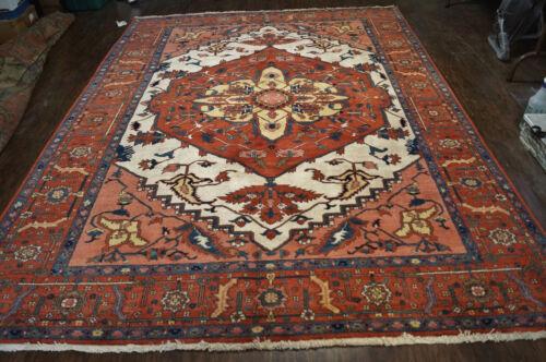 A Beautiful Hand Woven Persian  Serapi Rug 7x9ft
