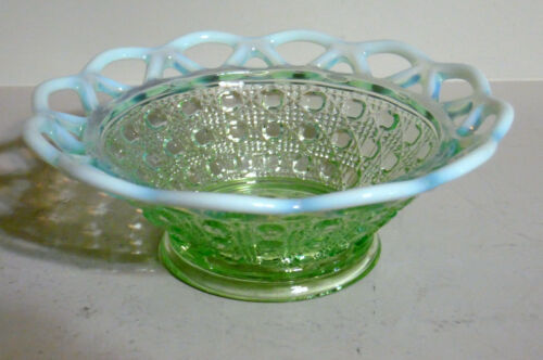 """IMPERIAL KATY GREEN OPALESCENT 6"""" LACED EDGE BOWL"""