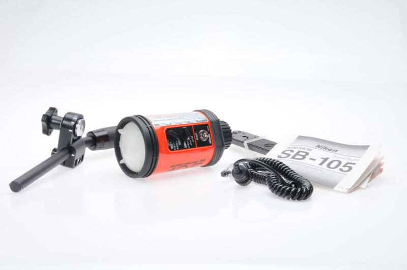 Nikon Nikonos SB 105 Underwater Flash Speedlight SB105 #740