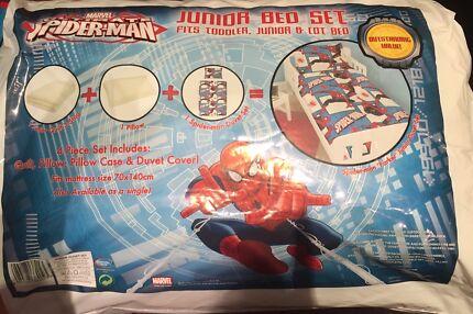 Marvel ultimate spiderman junior bed set