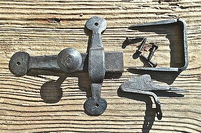 FANTASTIC WROUGHT IRON CUPBOARD LATCH LOCK COUNTRY ANTIQUE RUSTIC DOOR WH19