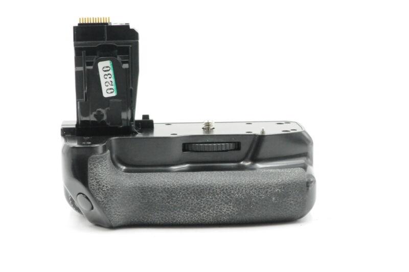 Neewer BG-E18 Battery Grip for EOS Rebel T6i/T6s #230