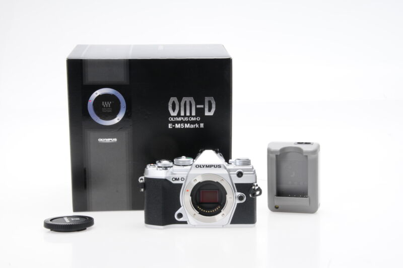 Olympus OM-D E-M5 Mark III Mirrorless 20.4MP Digital Camera Body #031