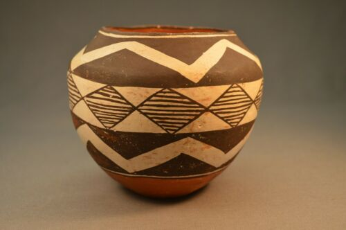 """Antique 100 Year old Acoma Polychrome Native American Pot. Great Condition 4"""""""