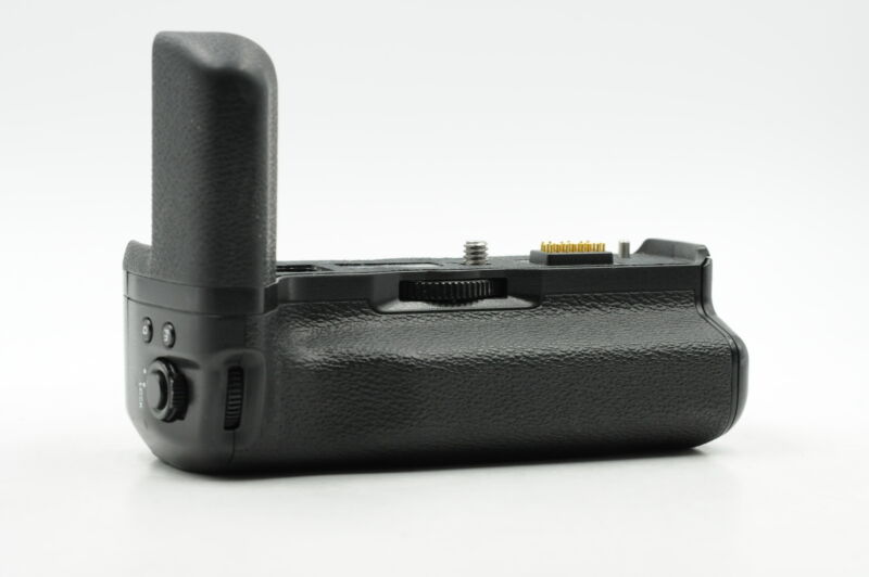 Fuji Fujifilm VG-XT3 Vertical Battery Grip for X-T3 #082