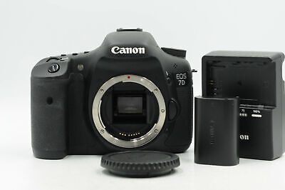 Canon EOS 7D 18MP Digital SLR Camera Body                                   #924