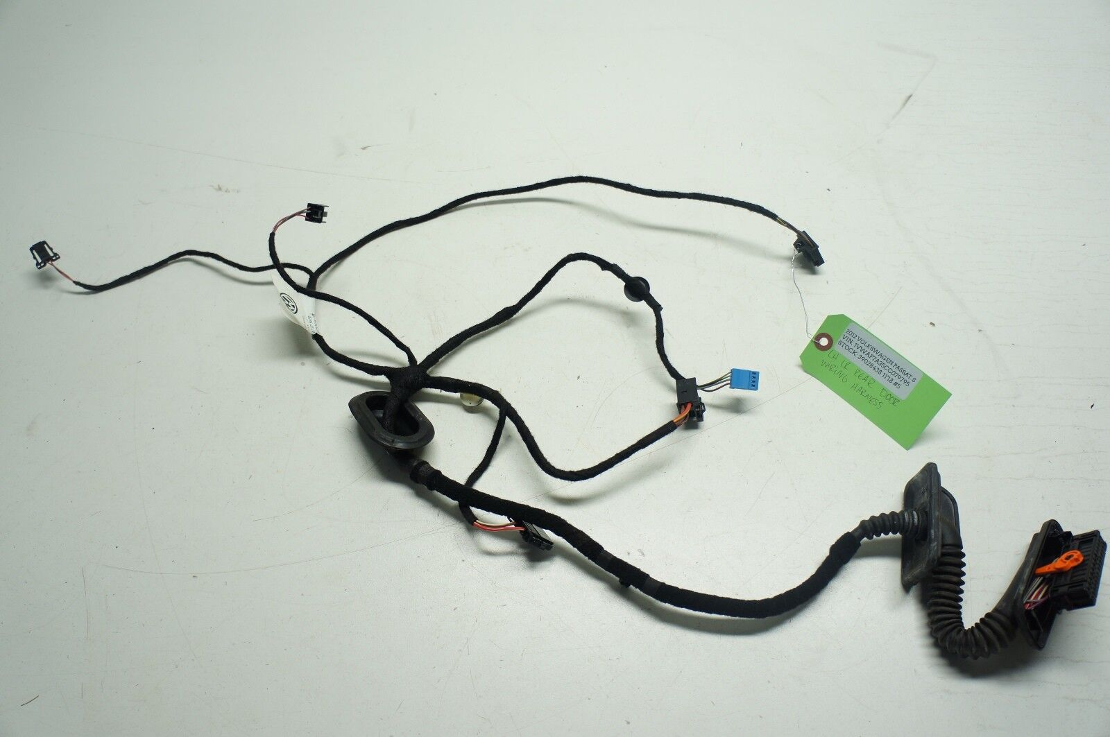 12-15 volkswagen passat sedan b7 driver left rear door wiring wires harness  oem