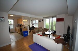 W Suites- Amazing 2 Bedroom+DEN on Barrington - AVAIL SEPT!