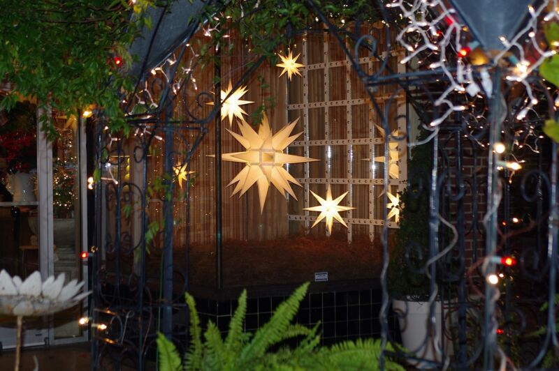 5 Foot Paper Moravian Lighted Star