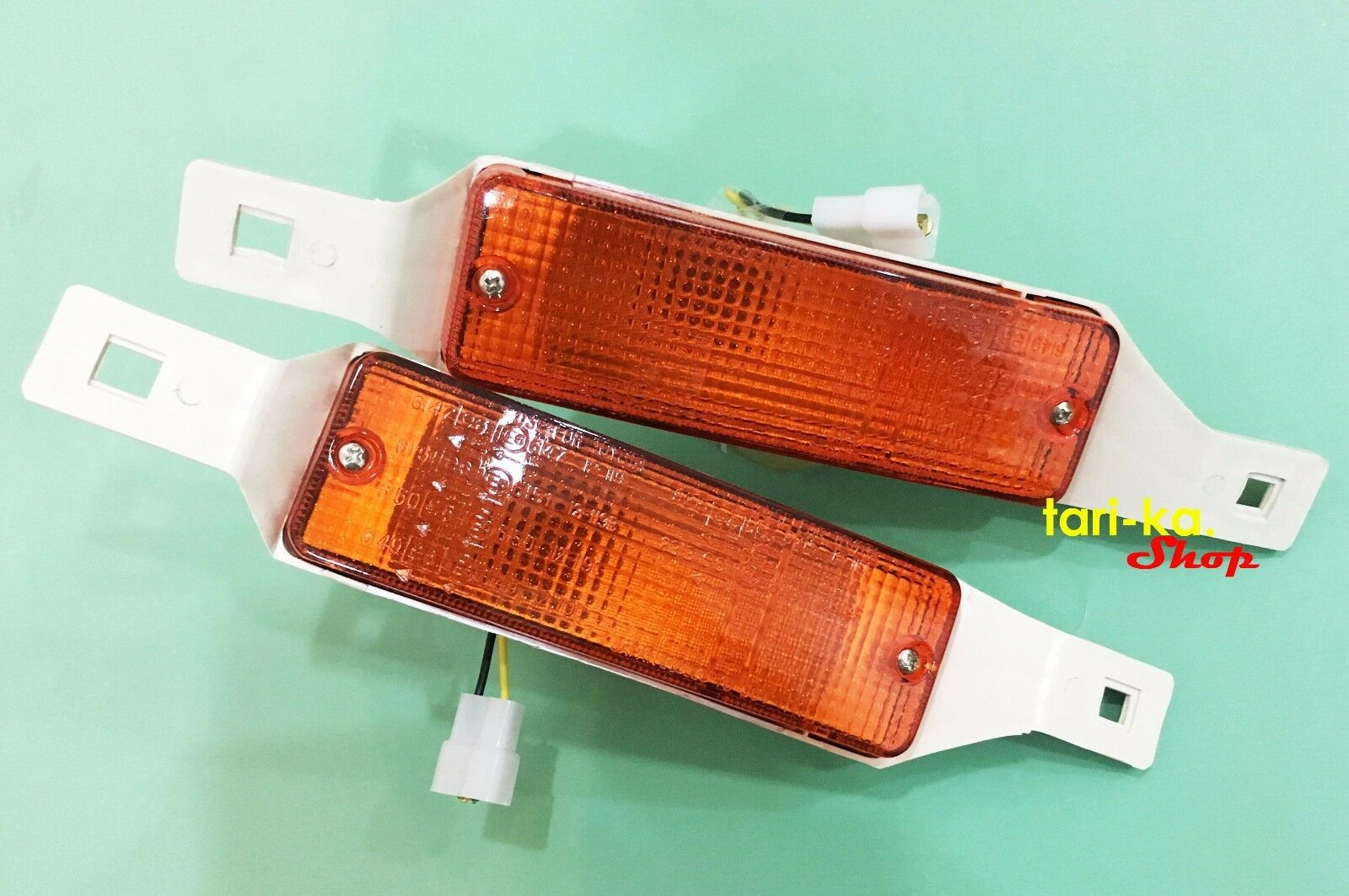 Front Bumper Turn Signal Lights For Toyota Hilux RN35 45 41 30 31 40 LN30 Pickup
