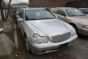 2002 Mercedes-Benz C-Class C320 | LEATHER | SUNROOF |