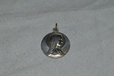 Belle Medal Religious Signed a. P Karo / Marie And L'Apparition / Silver Metal