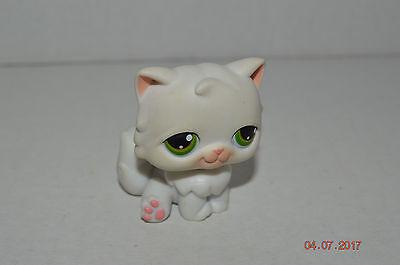 Littlest Pet Shop  15 Persian White Kitty Cat Pink Paws Green Dot Eyes