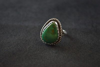 Sterling Silver Native American Design - Vintage Native American Sterling Silver Scroll Design Green Turquoise Ring - 5g