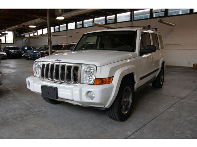 Image 1 of Jeep: Commander 4WD…