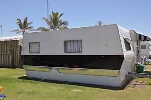 Viscount 80's model caravan Kingscliff Tweed Heads Area Preview