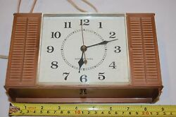 General Electric Wall or Desk Top Clock Vintage 2137A  8.5X5.5