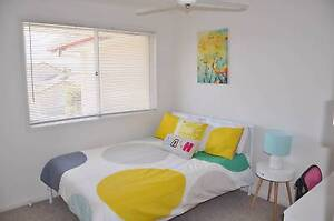 furnished room in townhouse. Benowa Gold Coast City Preview